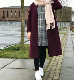 """""""Weather in Germany always like this – Hijab Fashion Modern Hijab Fashion, Hijab Fashion Inspiration, Islamic Fashion, Muslim Fashion, Mode Inspiration, Modest Fashion, Trendy Fashion, Style Fashion, Hijab Chic"""