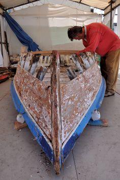 scheletro di Batana in riparazione