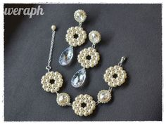 Bridal set made with pearls, crystals and Toho beads.