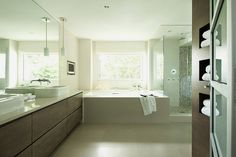 I want this bathroom! love the natural life. simple but lovely