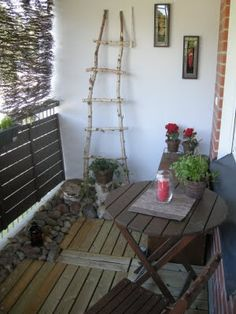 LADDER DOESNT LOOK TOO HARD TO MAKE?  Balcony Garden