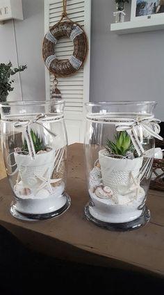 Cactus planters with sand and seashells can find Planters and more on our website.Cactus planters with sand and seashells Hurricane Lamps, Beach House Decor, Home Decor, Diy Décoration, Beach Crafts, Sea Shells, Sweet Home, Creations, Cactus Planters