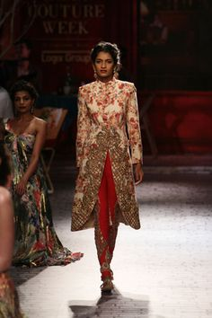 Er mum did someone say floral? Shame about the fabric Pakistan Fashion, India Fashion, Ethnic Fashion, Asian Fashion, High Fashion, Indian Wedding Outfits, Pakistani Outfits, Indian Outfits, Indian Clothes