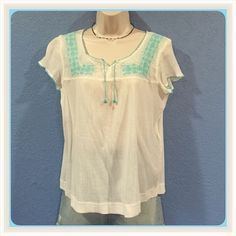 GAP gauze boho chic top. 100% cotton boho chic top with turquoise embroidery. GAP Tops Blouses