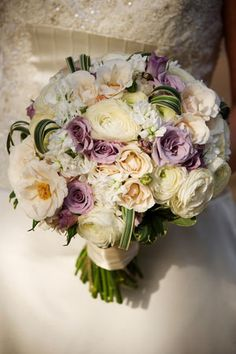 A touch of lavender. :) #weddingbouquets