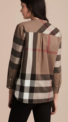 Shop the latest womenswear from Burberry including seasonal trench coats, leather jackets, dresses, denim and skirts. Black Outfits, Fall Outfits, Camisa Burberry, Cotton Tunics, Tunic Shirt, Casual Wear, Taupe, Upcycle, Women Wear