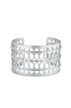 Make a statement with this showstopping, silver lace cuff bracelet. Shop the Plait Cuff and more at Stella & Dot.