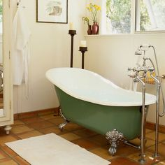 Bathub A claw-foot tub looks luxurious no matter what, but painting it a bright color gives your bathroom a playful, modern feelA claw-foot tub looks luxurious no matter what, but painting it a bright color gives your bathroom a playful, modern feel Painting Bathtub, How To Paint Bathtub, Diy Painting, Upstairs Bathrooms, Retro Bathrooms, Dream Bathrooms, Bathroom Inspiration, Bathroom Ideas, Bathroom Stuff