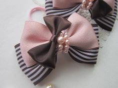 Discover thousands of images about Bows Diy Hair Bows, Ribbon Hair Bows, Diy Bow, Diy Ribbon, Ribbon Crafts, Barrettes, Hairbows, Hair Bow Tutorial, Boutique Hair Bows