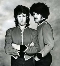 Phil Lynott At Right And Gary Moore Stock Photos & Phil Lynott At Right And Gary Moore Stock Images - Alamy Lemmy Motorhead, Music Icon, Music Music, Thin Lizzy, Greatest Rock Bands, Hard Rock, Heavy Metal, Rock And Roll, Celebs