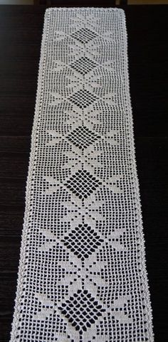 Light beige crochet linen table runner c Crocjetm Crochet Table Topper, Crochet Table Runner Pattern, Crochet Placemats, Crochet Doily Patterns, Crochet Doilies, Knitting Patterns, Crochet Kitchen, Crochet Home, Fillet Crochet