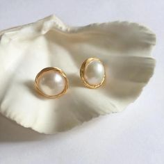 pearl earrings Simple Pearl Stud Earrings, Baroque Pearl Stud Gold Earrings, Gift for – One Curtain Road. Tiny Stud Earrings, Triangle Earrings, Simple Earrings, Gold Hoop Earrings, Sterling Silver Earrings, Dior Earrings, Pearl Earrings Wedding, Platinum Earrings, Hanging Earrings