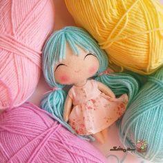 Little doll with blue hair Doll Crafts, Diy Doll, Cute Crafts, Sewing Doll Clothes, Sewing Dolls, Doll Tutorial, Soft Dolls, Felt Toys, Cute Dolls