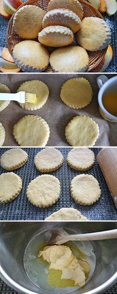 milk biscuits - Delicious milk cookies very simple & quick recipe russian cookies Easy Smoothie Recipes, Quick Recipes, Quick Easy Meals, Baking Recipes, Cookie Recipes, Dessert Recipes, Milk Biscuits, Cookies Et Biscuits, Biscuits Russes