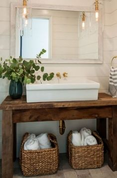 I love this collection of farmhouse bathrooms. These bathrooms are stunning. The perfect touch of farmhouse and rustic. #neutralhome #neutralbathroom #farmhousesink #rusticwooddecor #whitebathroom #fixerupperstyle #fixerupper #joannagainesinspired #joannagaines #rusticbathroom #farmhousebathroom #afflink #rustichome