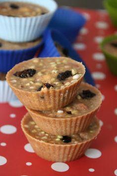 Superfood cups, and other sweet cups Raw Vegan Recipes, Vegan Foods, Vegan Snacks, Healthy Treats, Vegan Treats, Healthy Food, Healthy Eating, Raw Desserts, Dessert Recipes