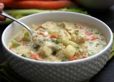 CHICKEN POT PIE SOUP - a deliciously simple soup recipe made from scratch. A fantastic classic comfort food brought to you in bowl.