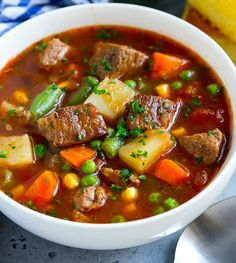 Hearty vegetable soup with meat- Herzhafte Gemüsesuppe mit Fleisch Vitamins and proteins for every season soup - Casserole Recipes, Soup Recipes, Vegetarian Recipes, Healthy Recipes, Vegan Vegetarian, Yummy Recipes, One Pot Meals, Easy Meals, Hearty Vegetable Soup
