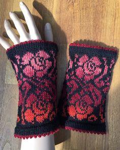 Tunisian Crochet, Crochet Stitch, Free Crochet, Crochet Top, Wooden Knitting Needles, Knitting Yarn, Hand Knitting, Crochet Dog Patterns, Lace Patterns