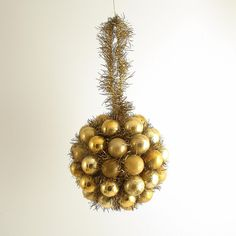 Your place to buy and sell all things handmade Glass Christmas Decorations, Wedding Decorations, Holiday Decor, Kissing Ball, Gold Glass, Vintage Holiday, Glass Ball, Silk Flowers, Garland