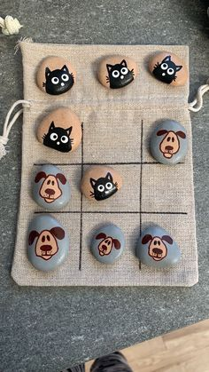 Pin on Handsgi Fun Crafts For Kids, Crafts To Sell, Art For Kids, Diy And Crafts, Arts And Crafts, Rock Painting Patterns, Rock Painting Ideas Easy, Rock Painting Designs, Painted Rocks Craft