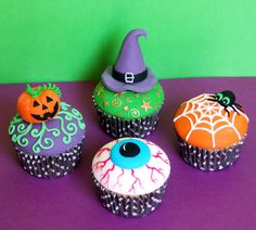 Halloween cupcakes-Lots of work here, but so worth it....