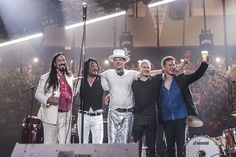 The Tragically Hip wave to the audience at the end of their last concert, in Kingston, on August 20th, 2016. (David Bastedo/The Tragically Hip)