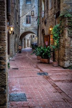 What are some of the most beautifull towns in the region of Umbria, Italy? Here are 5 of what I think are the best towns in Umbria! Beautiful Streets, Beautiful World, Wonderful Places, Beautiful Places, Travel Around The World, Around The Worlds, Cultural Architecture, Italy Architecture, Architecture Plan