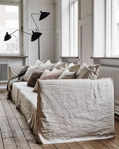 Interior Home Design Trends For 2020 - New ideas Interior Desing, Interior Design Inspiration, Home Decor Inspiration, Shabby Chic Interiors, Home And Living, Home Remodeling, Diy Home Decor, Living Spaces, Decoration