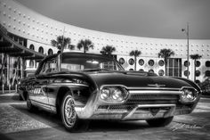 """Foto: Black Bird   1963 Ford Thunderbird (photo © Kyle Wilson)  See more>http://leftbehind.zenfolio.com/p619212396 """" The third generation of the Ford Thunderbird is a large personal luxury car that was produced by Ford for the 1961 to 1963 model years. It featured new and much sleeker styling than the second generation models. Sales were strong, if not quite up to record-breaking 1960, at 73,051 including 10,516 convertibles. A new, larger 390 cu in (6.4 L) FE-series V8 was the only engine…"""