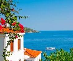 Sunny Rentals - holiday rental properties in 44 countries.