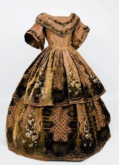 Evening dress ca. 1850's  From Augusta Auctions
