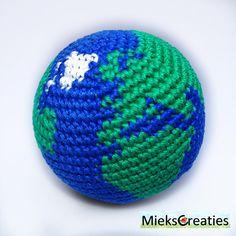 """""""Binnenkort haakpatroon van het zonnestelsel. Soon the crochet pattern of the…"""