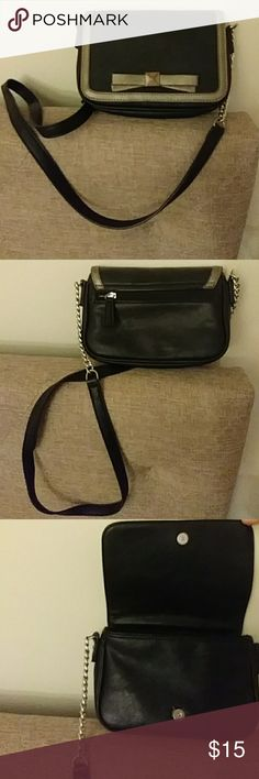 Black Crossbody Purse Really nice and goes with any outfit Kelly & Katie Bags Crossbody Bags