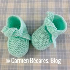 Adorable Knit Bunny Wearing a Darling Dress by TheSugarbunnyShop Baby Knitting Patterns, Knitting For Kids, Knitting Socks, Baby Patterns, Baby Bootees, Knitted Booties, Types Of Stitches, Crochet Baby Shoes, Yarn Projects