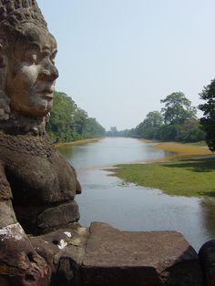 Bridge detail, Angkor wat.  Siem Reap, Cambodia.  Photo by James Mohn, 2006.