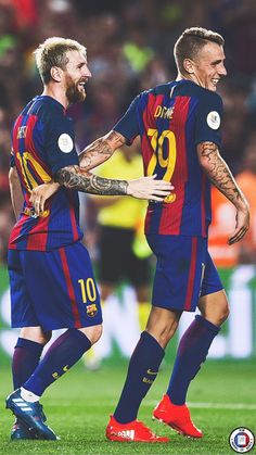 Lionel Messi (L) of FC Barcelona celebrates with his teammate Lucas Digne after scoring his team's third goal during the Spanish Super Cup Final second leg match between FC Barcelona and Sevilla FC at Camp Nou on August 2016 in Barcelona, Catalonia. Real Madrid And Barcelona, Barcelona Team, Barcelona Football, Barcelona Futbol Club, Barcelona Catalonia, Lionel Messi, Messi Vs, Messi 2017, Best Club