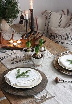 Rustic and au naturale table setting by raquel