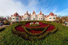 Beautiful photos of Disneyland Paris (especially the castle) in this trip report.