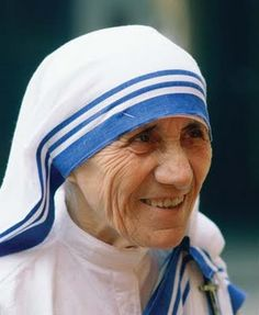 """Mother Teresa Roman Catholic nun who founded the Missionaries of Charity, Calcutta, India. Beatified by Pope John Paul II and given the title """"Blessed Teresa of Calcutta"""". Inspirer Les Gens, Mother Teresa Quotes, Juan Pablo Ii, Catholic Quotes, Amelia Earhart, Blessed Mother, Kirchen, Rosa Parks, Role Models"""