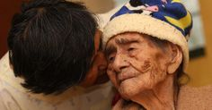 Originaria de Saltillo Tamaulipas, la señora LeandraBecerra Lumbreras según la fecha que se muestra en su acta de nacimiento31 de agosto de 1887, es la mujer mas longeva del mundo. Por lo que atualmente tiene 127 años de edad y se le mira bastante bien.