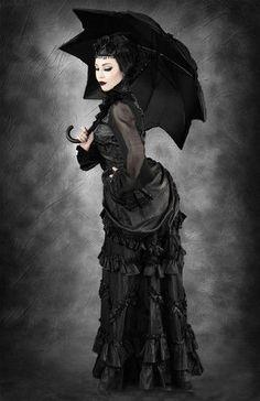 Toller Rock von Restyle, der mit und ohne Reifrock klasse aussieht!  Restyle Gothic Rock Victorian Lolita Tornüre Steampunk LARP Skirt Vintage