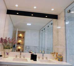 banheiro com spots