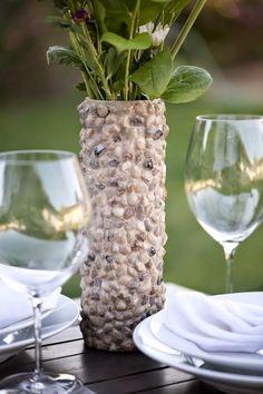 Cómo hacer un florero con piedras reciclando un tubo de cartón