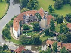 Burgsteinfurt is a castle in Germany – I've seen it in July - Häuschen - Beautiful Buildings, Beautiful Places, German Houses, Germany Castles, Royal Residence, Castle House, Le Palais, French Chateau, Architecture Old