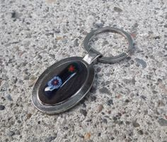 Fused Glass Flower Keychain by PiecesofhomeMosaics on Etsy, $12.00