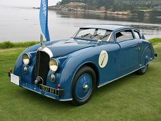 Voisin C28 Aerosport, 1936 - adore that beautiful shade of blue. #vintage #1930s #cars