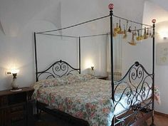 "Agriturismo Trinkeri Camomilla: Bellissimi: The Agriturismo Trinkeri is in the old town centre of Bellissimi, a quiet, traffic-free neighbourhood. The apartment ""Camomilla\"" has been lovingly renovated with regard for Ligurian traditions. The romantic bedroom with its cast-iron four-poster bed invites you to relax. The balmy evenings can be pleasantly spent in the sittingroom or on the large terrace, from where you can enjoy a sweeping view of the Apline foothills. #Italy #Liguria"