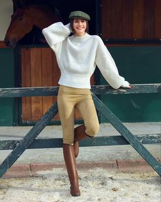Yasemin Özilhan stili Kayaking, Equestrian, Normcore, Horse, Actresses, Street Style, Woman, Stylish, My Style