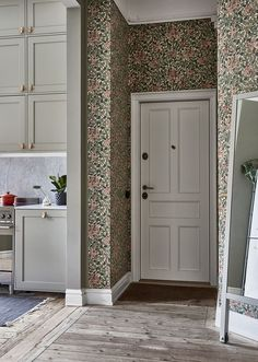 Decorating Kitchen Walls Ideas is entirely important for your home. Whether you choose the Kitchen Decor Ideas Apartment or Kitchen Wall Decor Ideas, you will create the best Kitchen Decor Ideas Decoration for your own life. Cheap Bedroom Decor, Cheap Home Decor, Western Style, Home Interior, Interior Design Living Room, Interior Modern, Interior Ideas, William Morris Tapet, Hallway Decorating